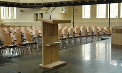 zaal- en kerkstoelen